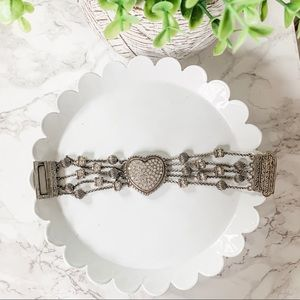 ✨ 3/$12 Studded heart bracelet